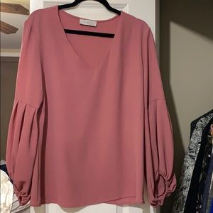 Blush pink blouse with balloon sleeve!